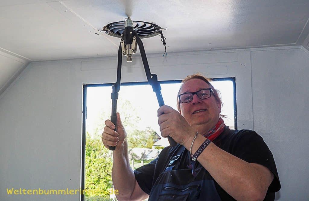 Bau der Deckenlampe im Steyr 680 GL, Ventilator