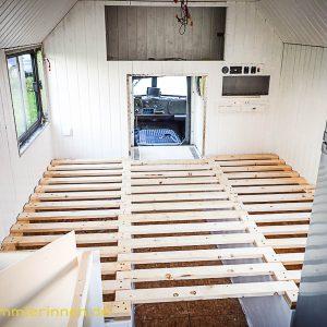 Ein Bett will auch gebaut werden