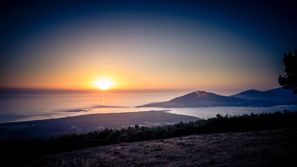 Ein Bergpanorama bekommt man oft an einsamen Freistehplätzen zu sehen