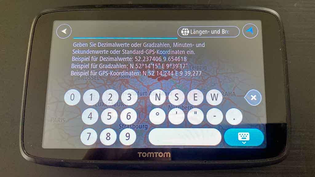 Navigation im großen Wohnmobil: OMTOM-Go-Professional-620 Anzeige des Suchbildschirms für die Koordinatensuche