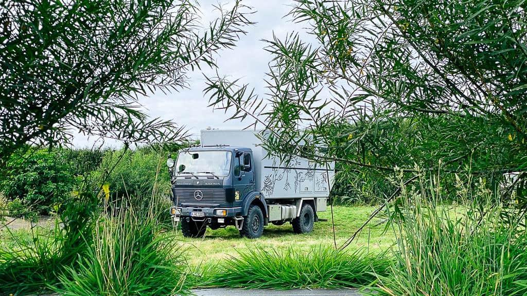 Versteckte Blackpearl beim Roadtrip Normandie