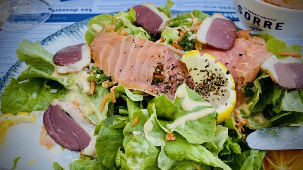 Salat mit Ente und Lachs